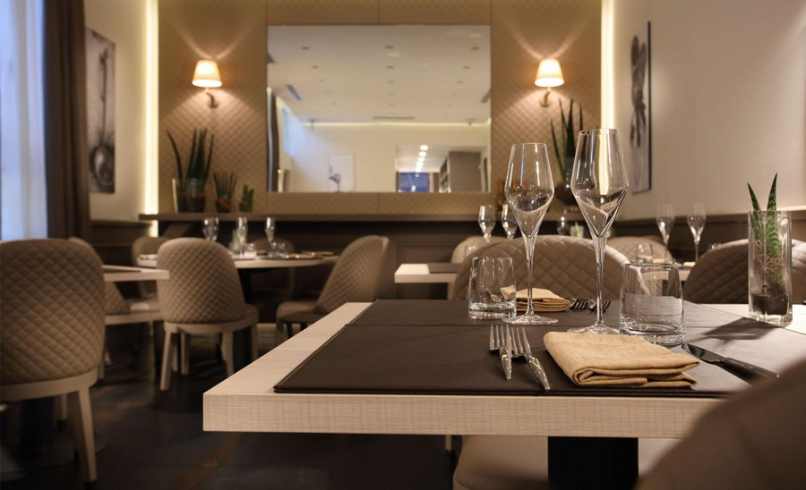 3-4-L'Essenziale-restaurant-cafe-bar-in-Milan-Italy-interior-design-elegant-neo-classical-style-powder-pink-beige-gray-colors-chair-tables-romantic-quilted-covers
