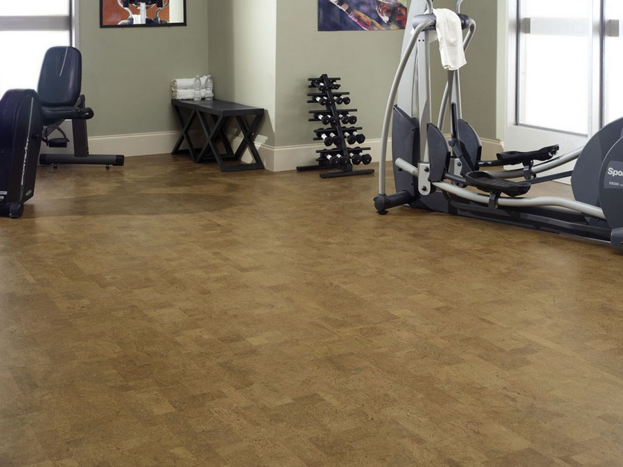 3-home-gym-interior-design-light-neutral-colors-windows-fitness-exercise-equipment-gray-walls-corkwood-floor