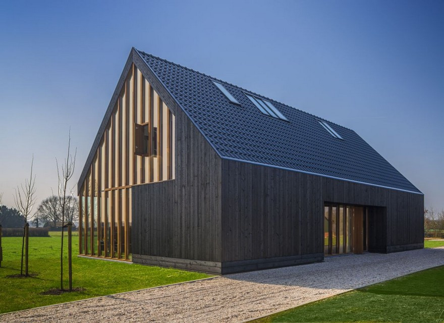 4-burnt-charred-wood-house-siding-exterior-lumber-boards-timber-frame-buidling-panoramic=glazing-windows
