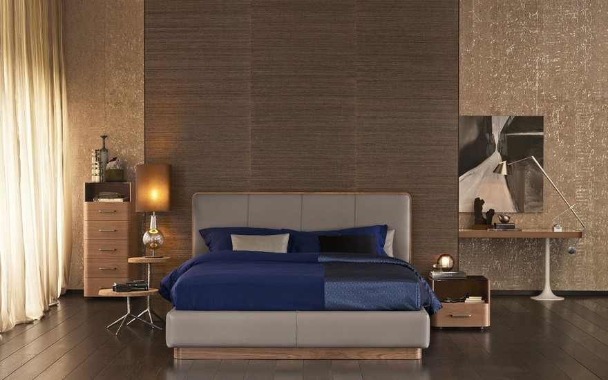 4-contemporary-style-bedroom-interior-design-shiny-corkwood-wall-wooden-wall-decor-upholstered-leather-gray-bed-blue-bedspread-linen-mismatched-asymmetrical-bedside-tables-lamps-nightstands