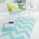 4-diy-handpainted-rug-with-zigzag-pattern-geometrical-blue-and-white