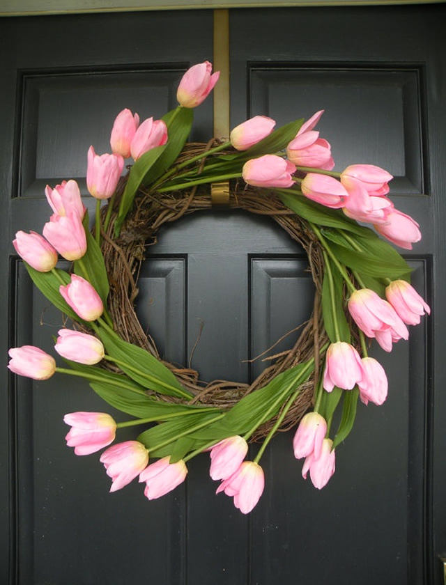 5-spring-home-decor-decoration-ideas-flowers-door-wreath-pink-tulips