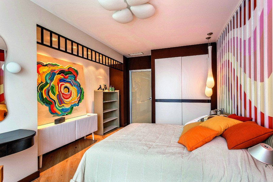 6-contemporary-style-bedroom-interior-design-upholstered-headboard-corded-fabric-3d-wooden-planks-wall-decor-multicolored-painting-bright-pendant-lamps-ceiling-fixture-white-console-shelving-unit-wardrob