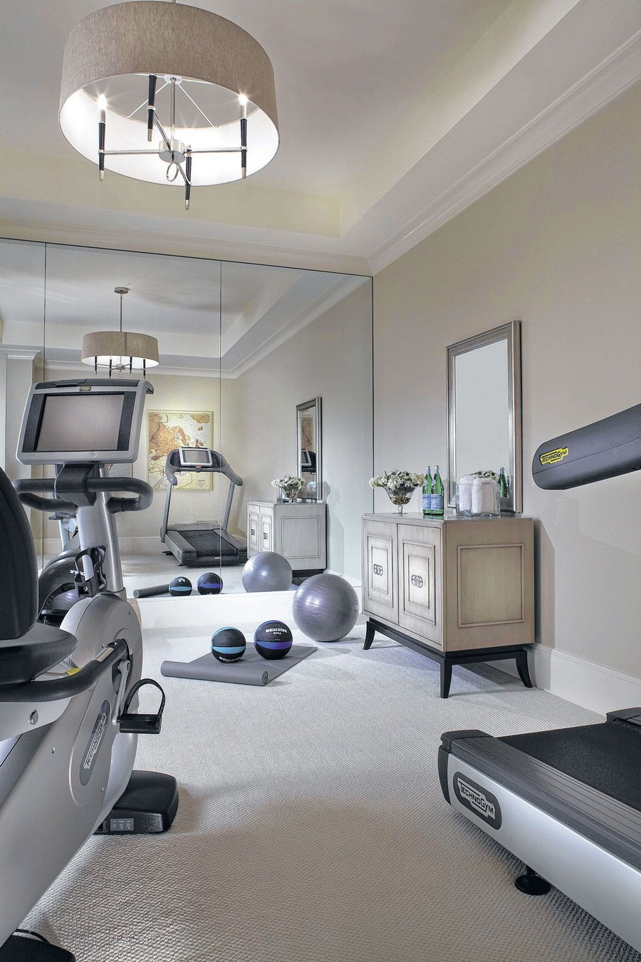 Home gym interior design tips home interior design for Home to win designers