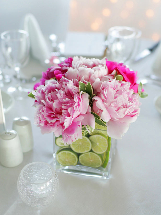 6-spring-home-decor-decoration-ideas-flowers-table-setting-lemons-fruits