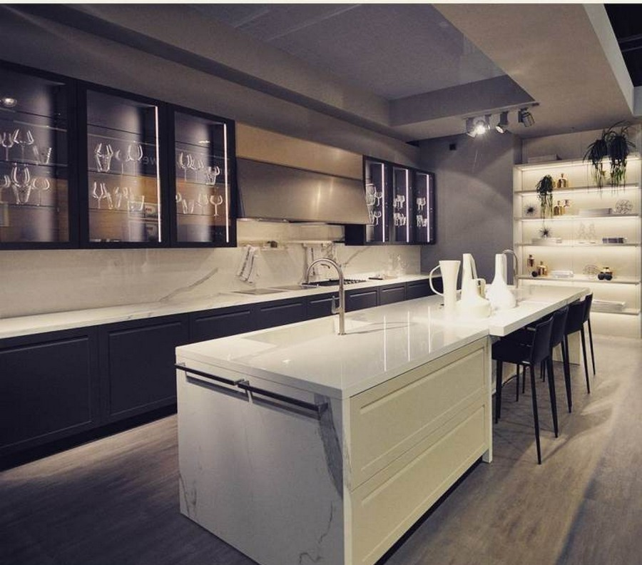 7-3-Scavolini-kitchen-set-design-at-LivingKitchen-show-in-Cologne-Germany-2017-international-exhibition-white-glossy-countertop_cr_cr