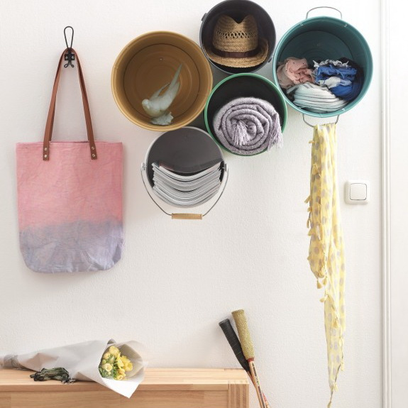 7-DIY-handmade-bucket-shelves-for-hallway-entrance-hall-vintage-rustic-style-organizer-scarves-hats-newsapers