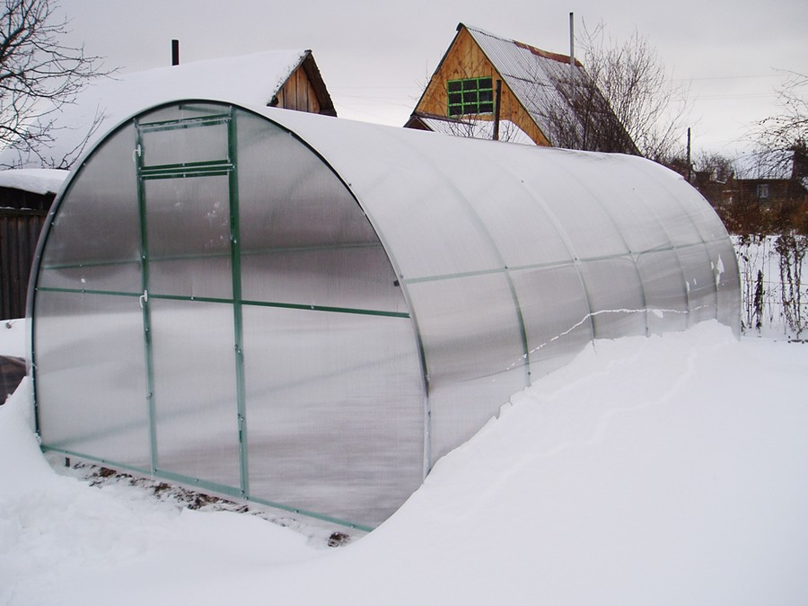 7-greenhouse-in-winter-snow-garden