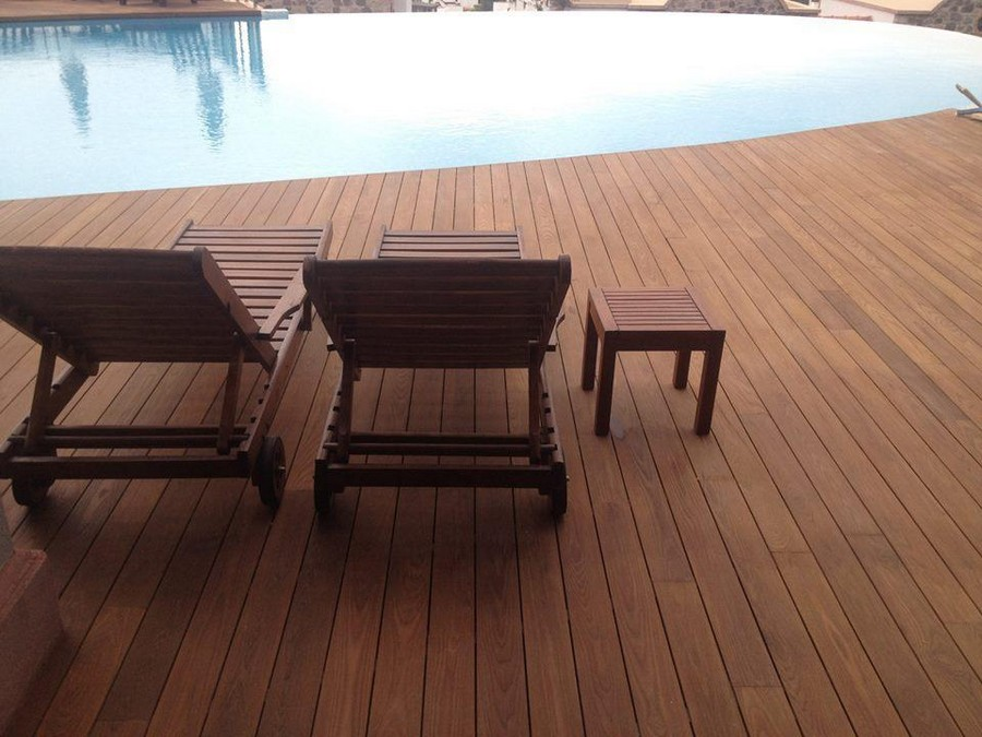 0-thermally-modified-wood-in-exterior-design-swimming-pool-deck-floor