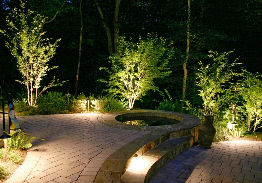 1 1 Outdoor Garden Landscape Lighting Ideas Spotlighting