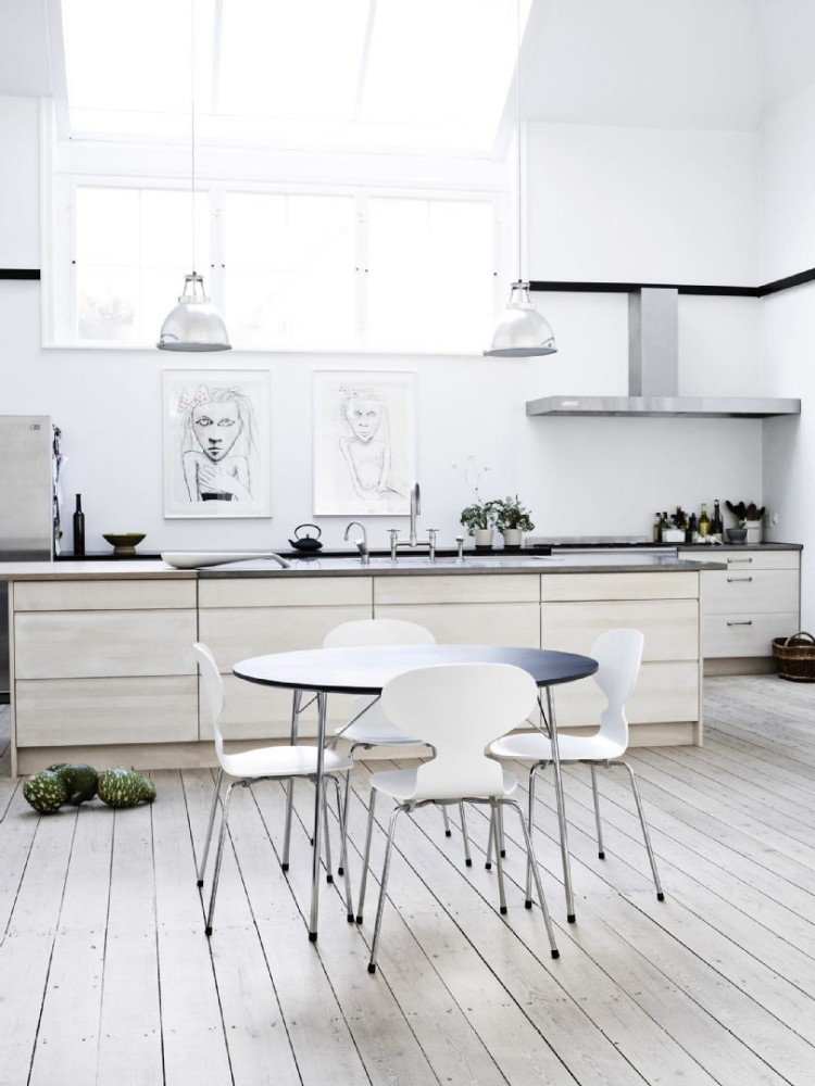 10-natural-solid-wood-kitchen-cabinets-set-interior-design-Scandinavian-style-white-wooden-floor-base-cabinets-high-window-cooker-hood-dining-table-chairs