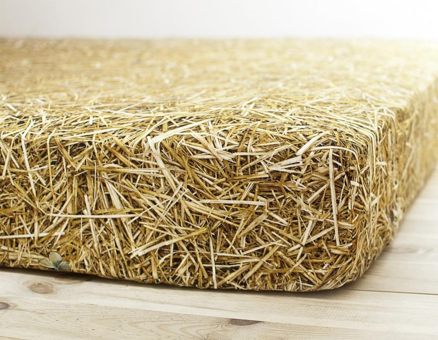 2-2-Stack-of-Straw-bed-linen-set-photorealistic-digital-print-Poland-designed-by-Gosia-Dziembaj-Hayka-haystack