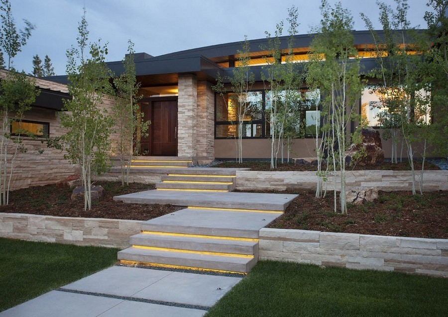 2-6-outdoor-garden-landscape-lighting-ideas-path-lights-walkway-illumination-LED-strip-lights-steps-stairs
