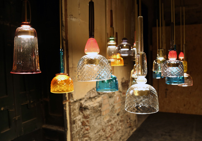 2-I-Flauti-hand-blown-Murano-glass-suspended-lamp-LED-bulb-hand-turned-brass-ring-design-by-Giopato-&-Coombes-Italy-multicolored