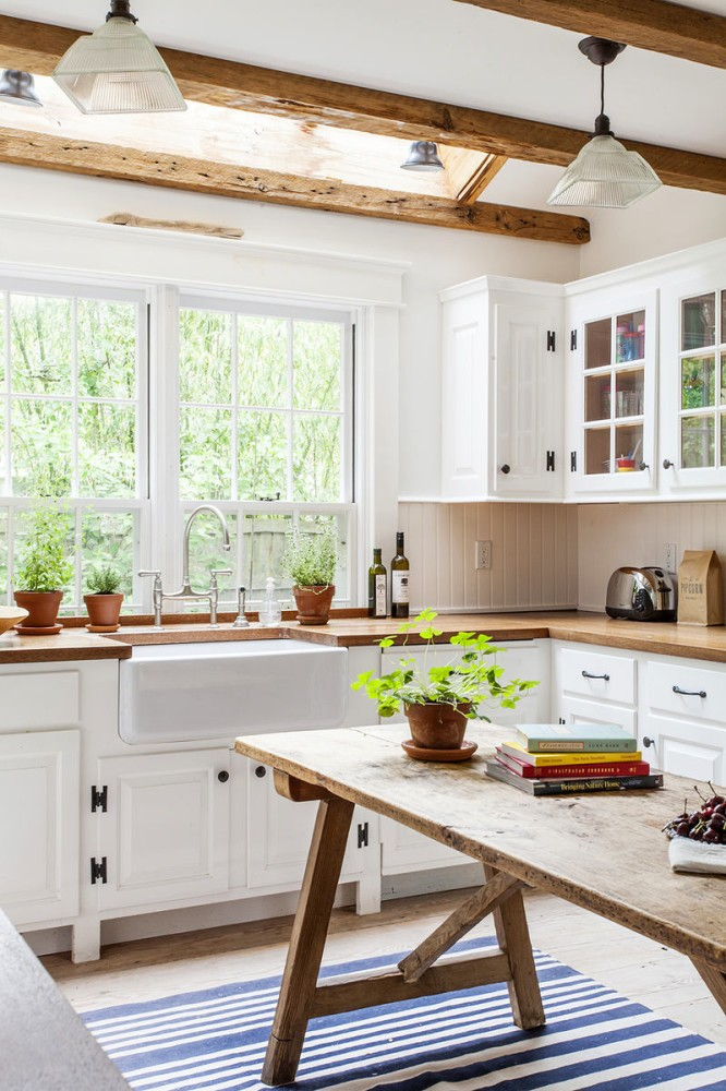2-natural-solid-wood-kitchen-cabinets-set-interior-design-white-ceiling-beams-dining-table-big-window-glass-cabinets-wooden-worktop-stripy-rug