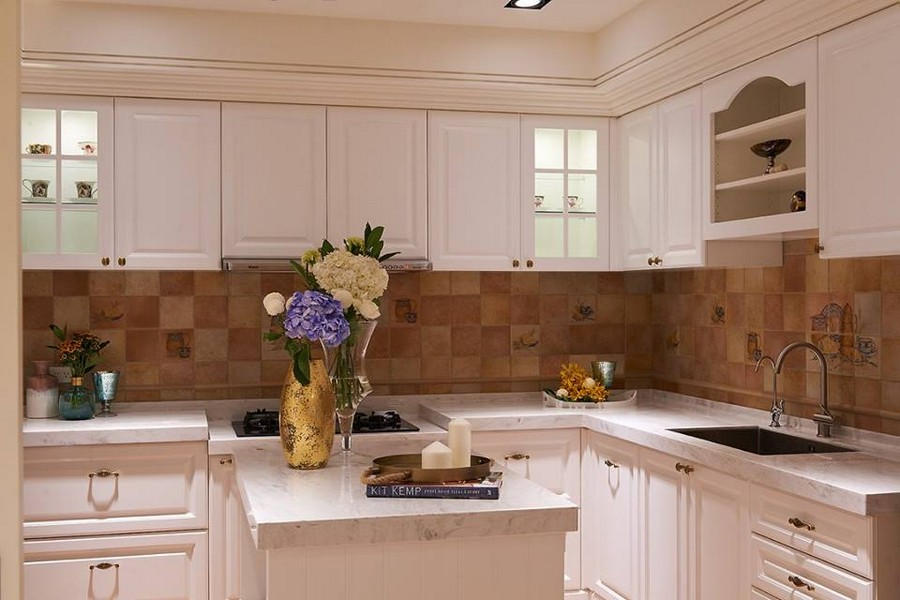 3-1-neo-classical-style-interior-neutral-beige-blue-Tuscan-colors-kitchen-island-white-cabinets-square-tiles-Italian-backsplash-traditional-marble-worktop