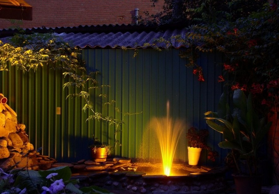 3-9-outdoor-garden-landscape-lighting-ideas-pond-underwater-lights-mini-fountain