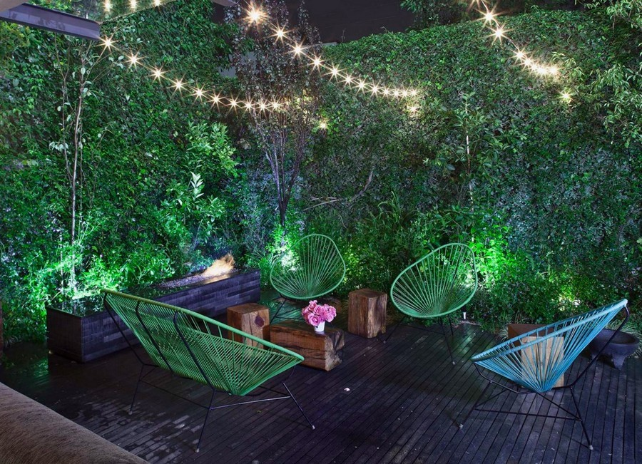 4-2-outdoor-garden-landscape-lighting-ideas-rope-string-holiday-lights-bulbs-patio-deck