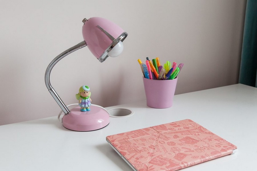 5-3-white-work-desk-pink-lamp-tablet-pencil-cup-organizer