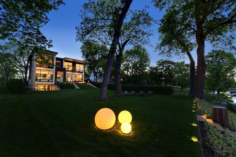 5-9-outdoor-garden-landscape-lighting-ideas-ornamental-lights-installation-statue-sculpture-spheres