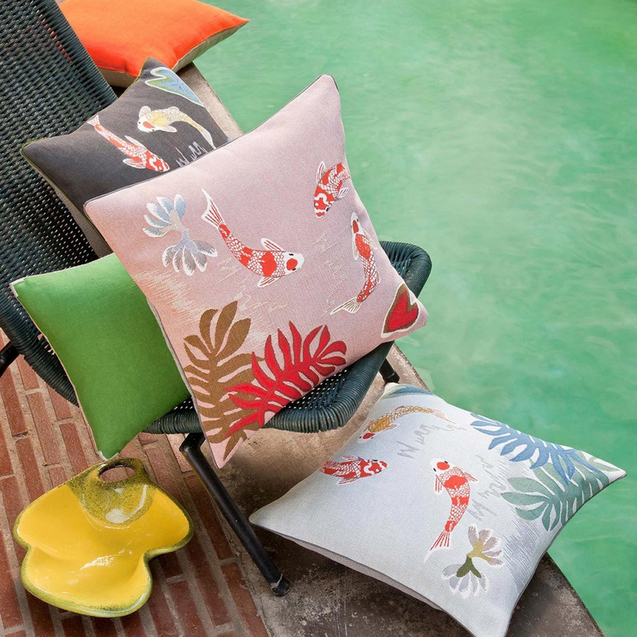 6-Yves-Delorme-Paris-France-new-collection-home-textile-summer-2017-decorative-couch-throw-pillows-fish-pattern