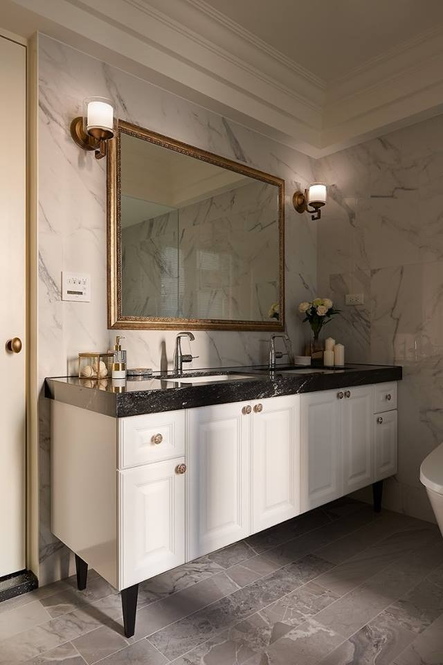 8-2-contemporary-style-interior-bathroom-white-and-black-marble-countertop-walls-floor-tiles-double-wash-basin-cabinet-big-mirror-wall-lamps-sconces-classical-gray