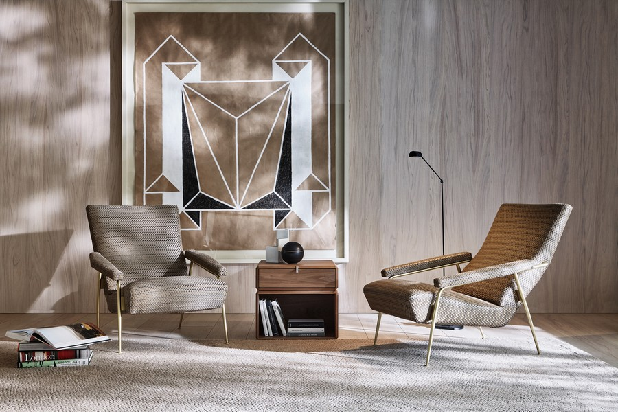 1-2-Molteni-&-C-new-collection-of-contemporary-style-furniture-at-Salone-de-Mobile-Exhibition-Milan-2017-beige-arm-chairs-nightstand-rug-geometrical-artwork