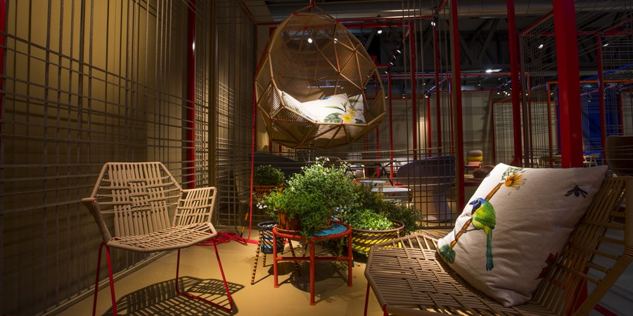 1-2-Moroso-new-collection-of-contemporary-style-furniture-at-Salone-de-Mobile-Exhibition-Milan-2017-garden-chairs-suspended-floating-arm-chair