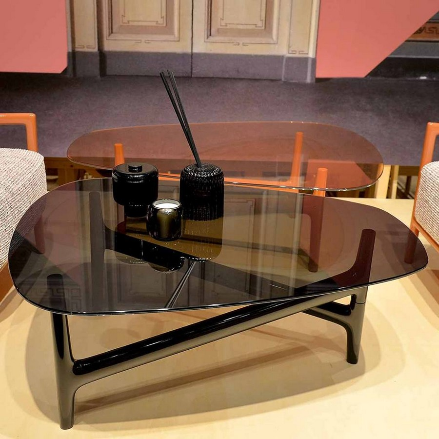 3-4-Kartell-new-collection-of-contemporary-style-furniture-at-Salone-de-Mobile-Exhibition-Milan-2017-asymmetrical-black-glossy-coffee-table