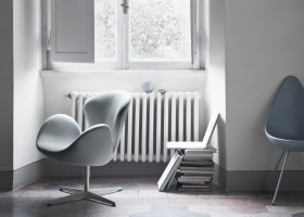 3-Swan-chair-drop-chair-design-by-Arne-Jacobsen-1958-total-gray-interior