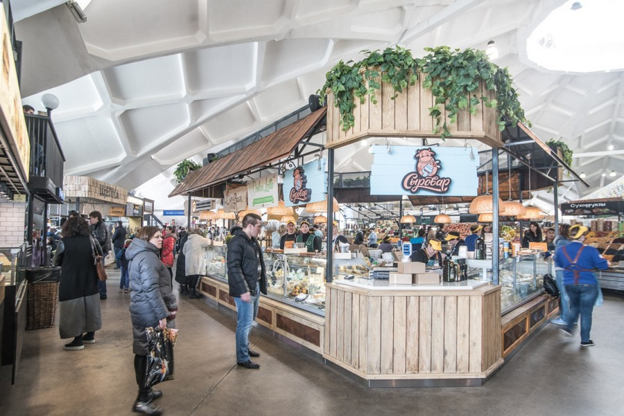 4-2-cozy-beautiful-courtyard-style-covered-food-market-interior-design-Danilovsky-market-in-Moscow-dairy-products-milk-cheese