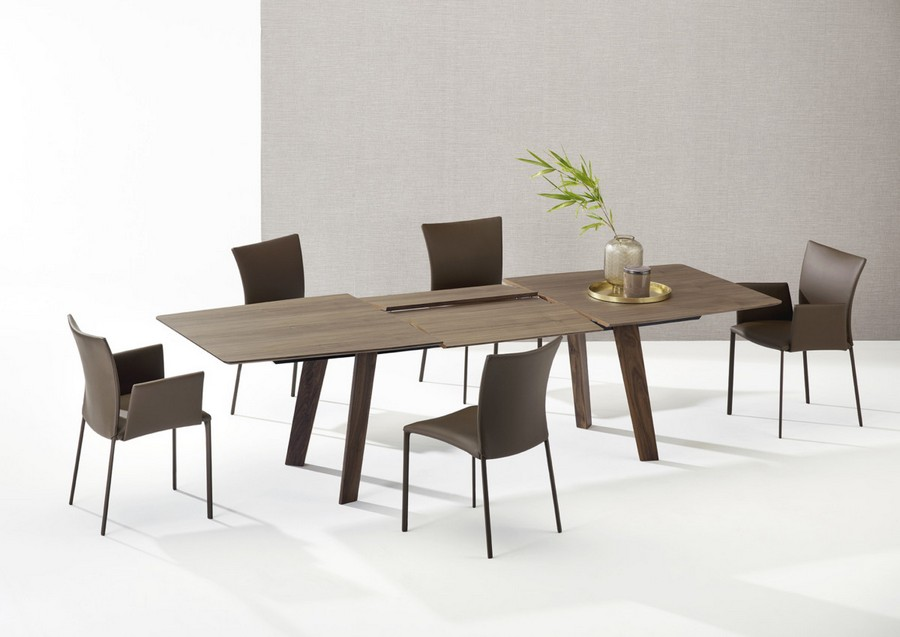 4-3-Draenert-new-collection-of-contemporary-style-furniture-at-Salone-de-Mobile-Exhibition-Milan-2017-wooden-dining-room-set-transforming-table-chairs