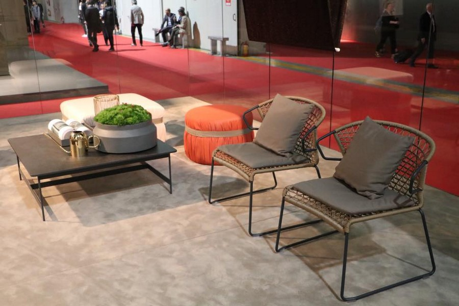 4-3-Potocco-new-collection-of-contemporary-style-furniture-at-Salone-de-Mobile-Exhibition-Milan-2017-garden-set-chairs-coffee-table-ottoman-padded-stool