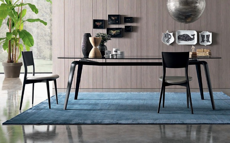 7-7-Misuraemme-new-collection-of-contemporary-style-furniture-at-Salone-de-Mobile-Exhibition-Milan-2017-dining-room-set-table-glass-top-black-chairs