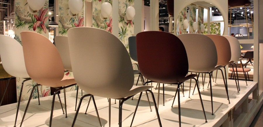 1-2-Gubi-plastic-Beatle-Unupholstered-Chairs-Denmark-slim-black-legs