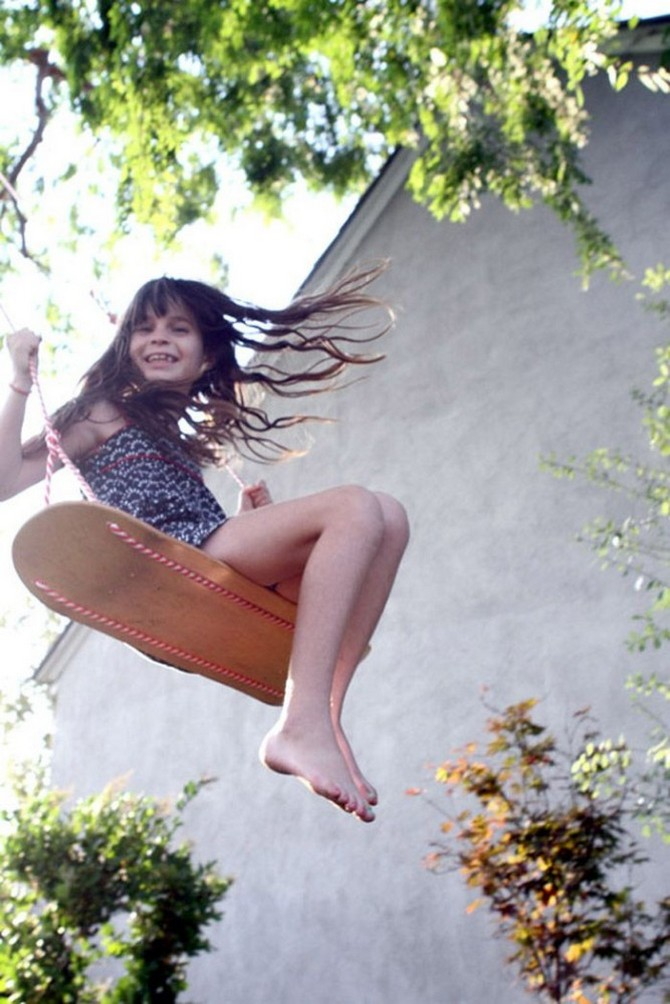 1-4-beautiful-garden-swing-handmade-rope-skateboard-wooden-seat-girl-happy-swinging-laughing-smiling