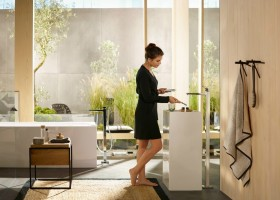 1-Hansgrohe-beige-bathroom-interior-design-wash-basin-vanity-unit-bathtub-free-standing-faucet