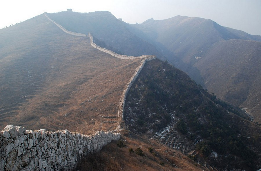1-the-Great-Wall-of-China-thin-destroyed-ruined-view