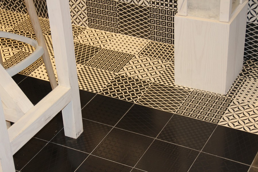 12-9-ceramic-tiles-in-interior-design-Cas-Ceramica-brand-collection-2017-brown-and-beige-ornamental-floor-tiles-with-geometrical-motifs