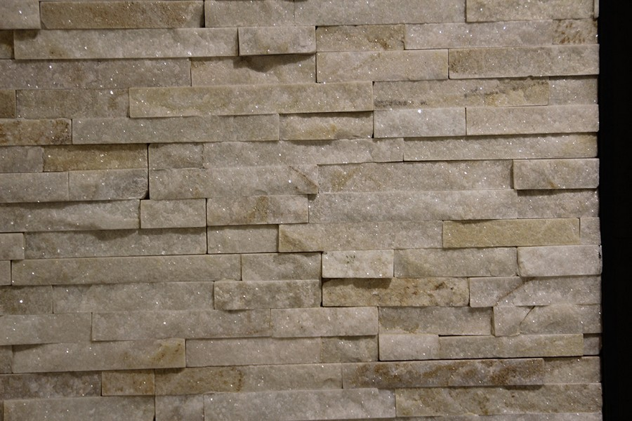 13-9-ceramic-tiles-in-interior-design-Azteca-brand-collection-2017-salt-brick-glimmering-wall-tiles