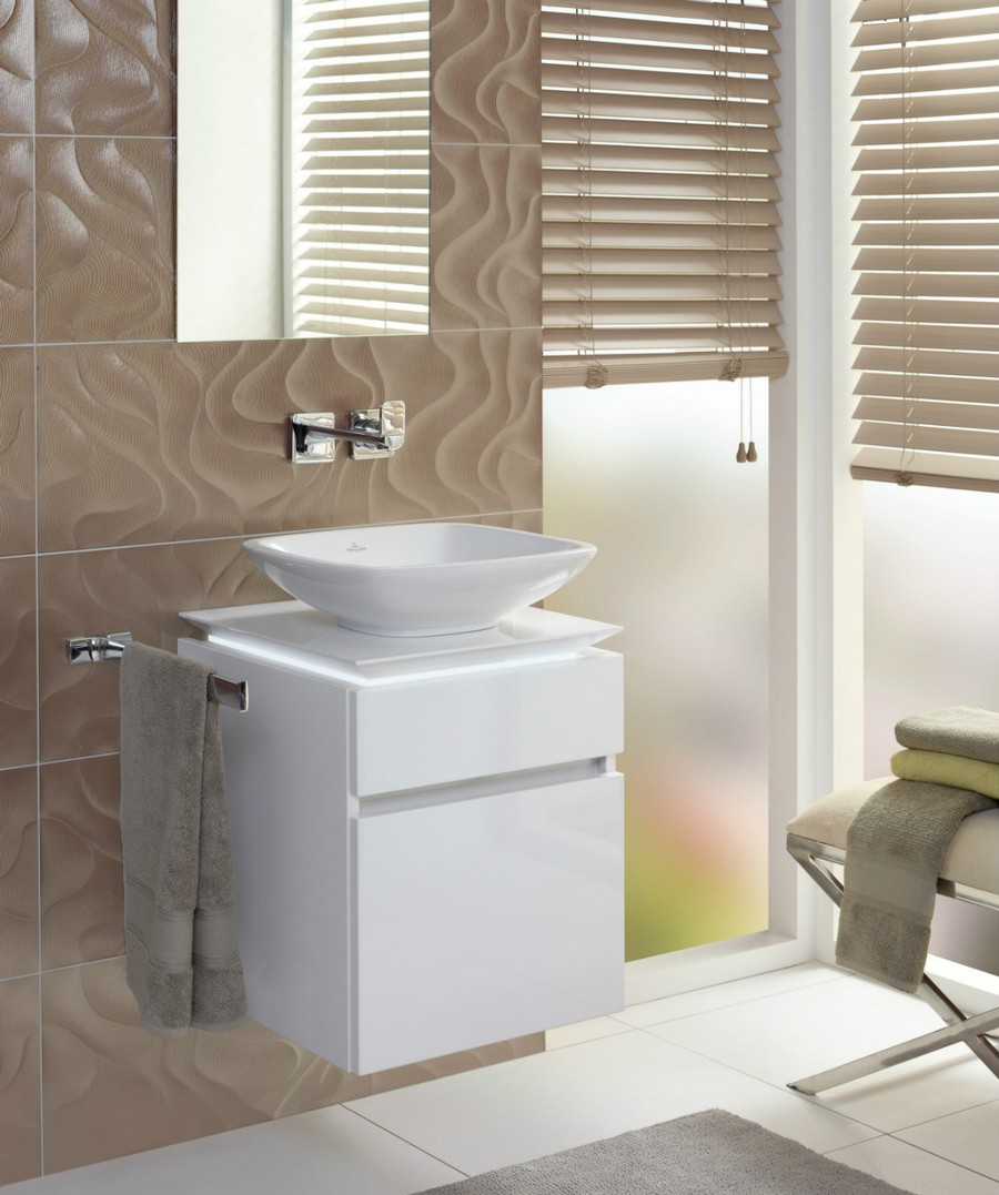 3-3-Villeroy-&-Boch-beige-bathroom-interior-design-wash-basin-vanity-unit-white-wall-mounted-cabinet-top-mounted-sink-Venetian-blinds-ottoman-narrow-mirror