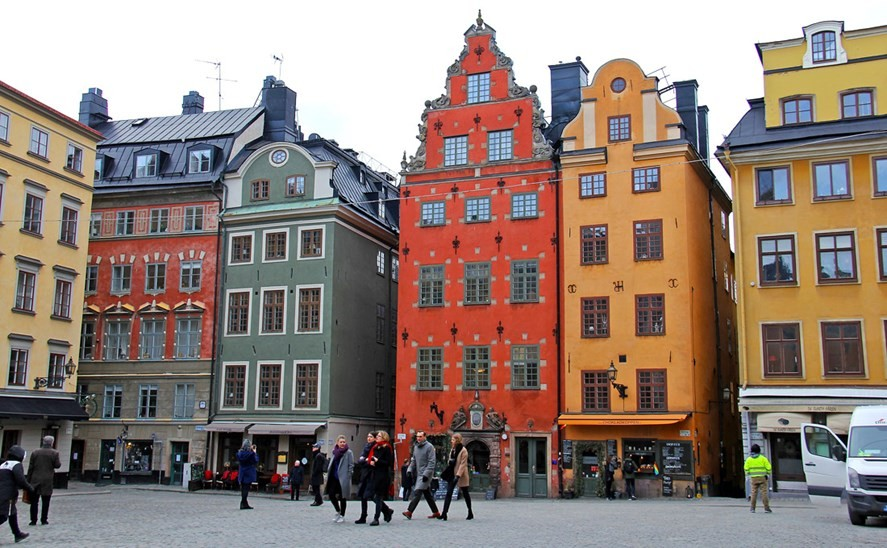 3-Stockholm-Sweden-bright-colored-painted-Scandinavian-houses-architecture-red-yellow