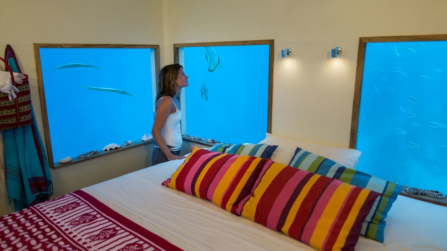 4-Manta-Resort-hotel-Tanzania-Pemba-Island-underwater-under-the-sea-room-bedroom-interior-design-windows-fish-double-bed