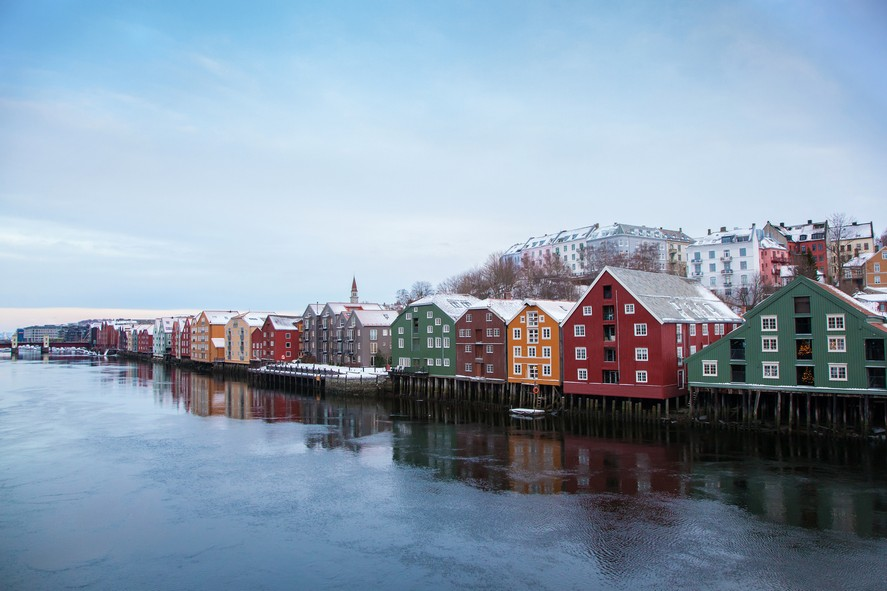 5-1-Trondheim-Norway-bright-colored-painted-Scandinavian-houses-architecture-orange-living-quarters