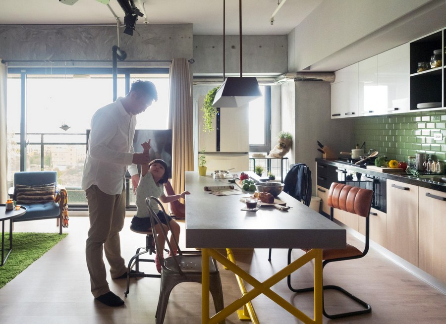 6-2-open-concept-living-room-dining-area-kitchen-interior-design-Taiwan-father-and-daughter-island-bar-table-pale-green-bcaksplash-panoramic-windows-yellow-legs-mismatched-chairs-stools