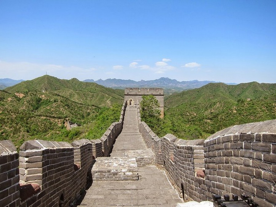 6-2-the-Great-Wall-of-China-road-view-brick-masonry-path