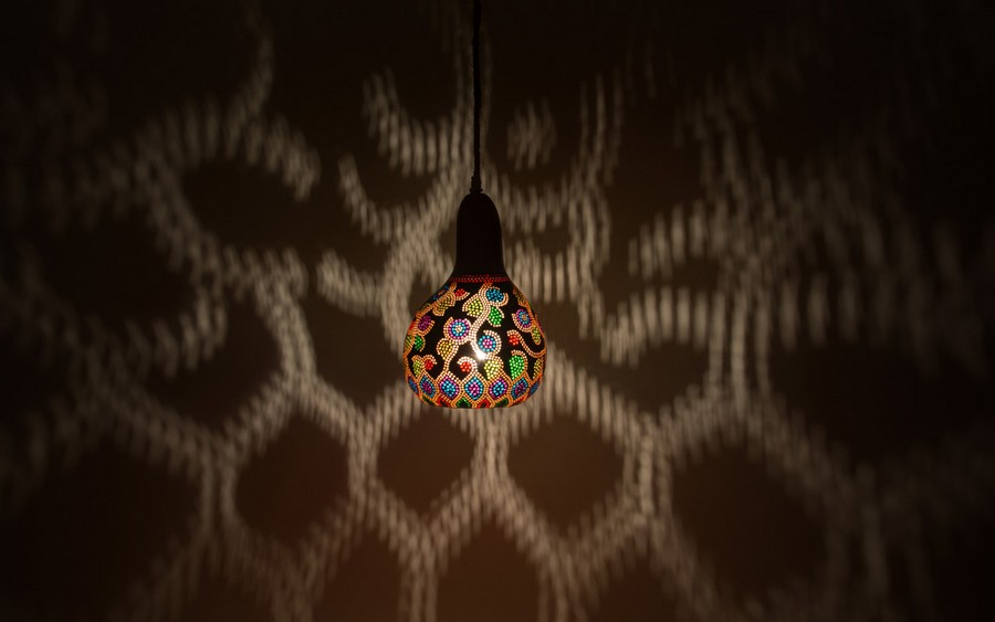 Calabarte-pendant-lamp-I-2-handmade-carved-hand-crafted-light-by-Przemek-Krawczyński-Poland -from-natural-materials
