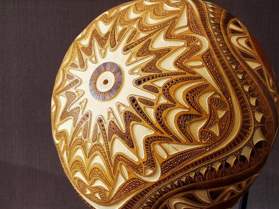 Calabarte-table-lamp-XII-5-handmade-carved-hand-crafted-light-by-Przemek-Krawczyński-Poland -from-natural-materials