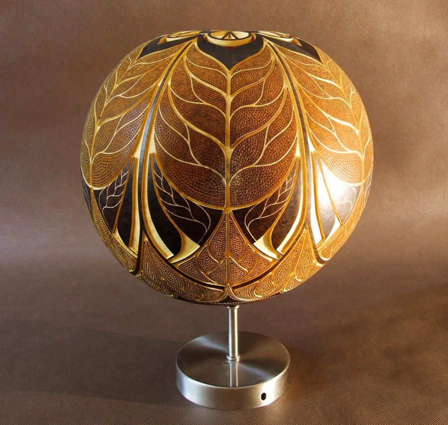 Calabarte-wall-lamp-VII-1-handmade-carved-hand-crafted-light-by-Przemek-Krawczyński-Poland -from-natural-materials