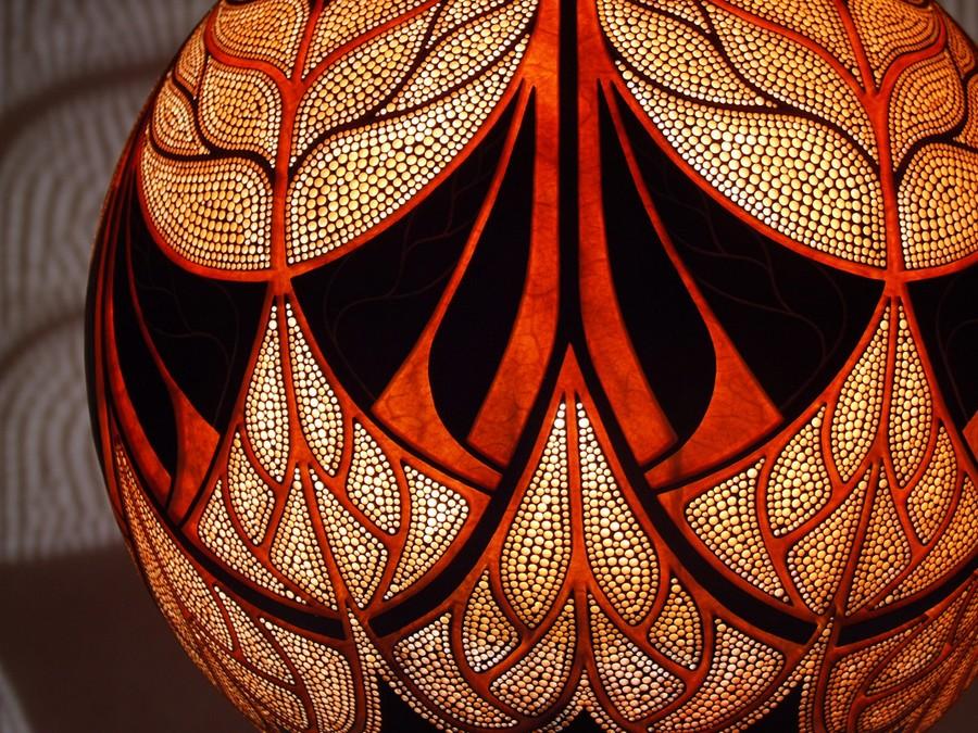 Calabarte-wall-lamp-VII-9-handmade-carved-hand-crafted-light-by-Przemek-Krawczyński-Poland -from-natural-materials
